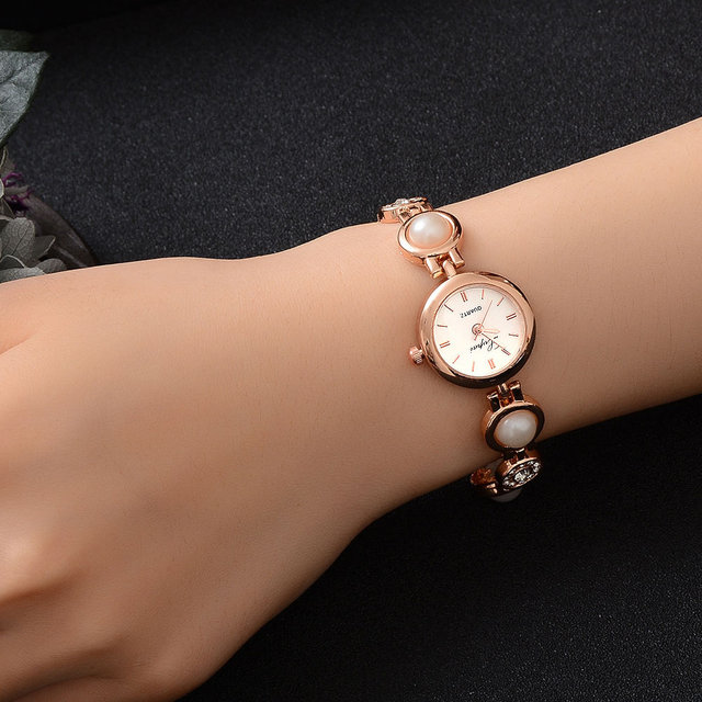 Ladies' Bracelet Watches Women Imitation Pearl Crystal Round Dial Wristwatch Cas