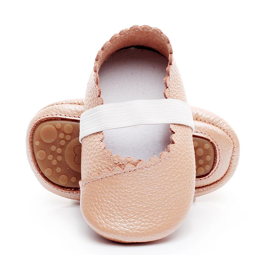 2018 New Designs Princess Dance baby Ballet shoes Cow leather Rubber sole Baby Moccasins Newborn Crib Girls First walkers 0-24 M
