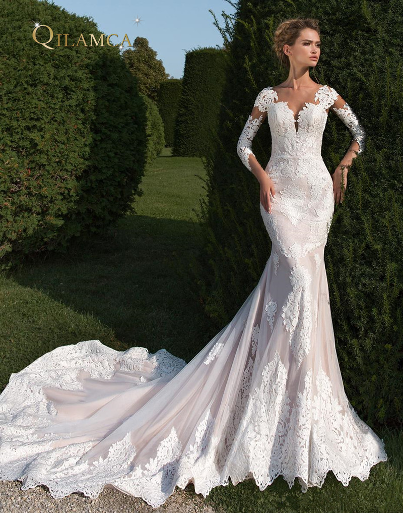 Modest Long Sleeve Mermaid Wedding Dresses 2018 Lace Appliqued Chapel Train Bridal Gowns With Covered Buttons vestidos de noiva