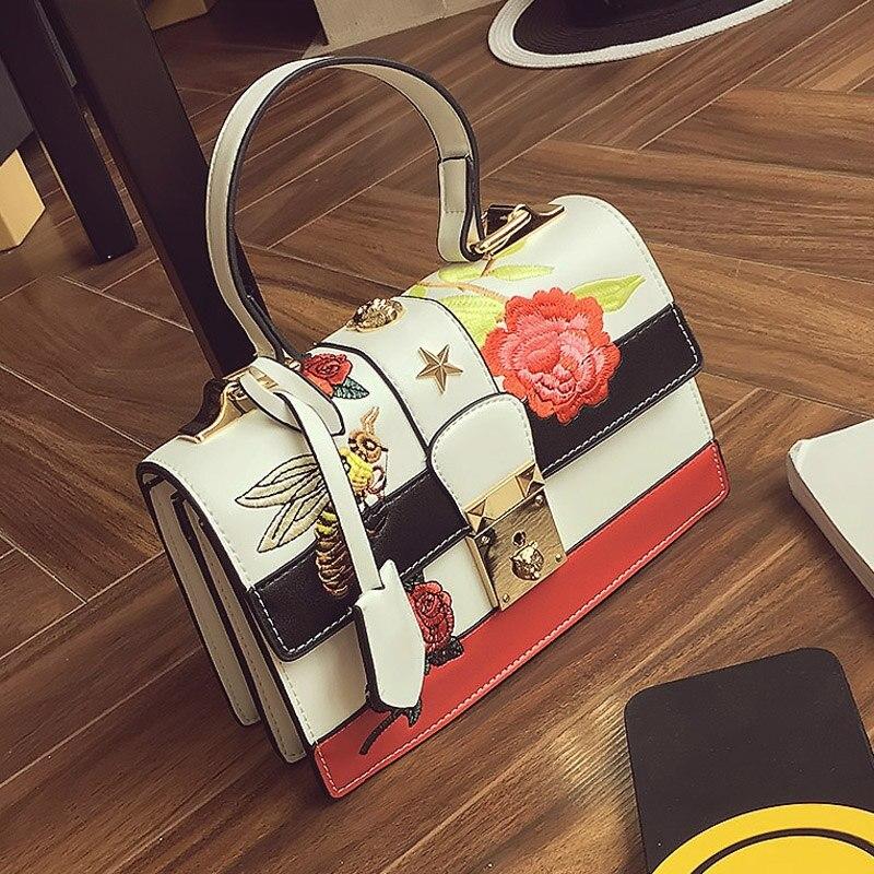 ФОТО Temperament joker fashion handbag Floral embroidery women bag Famous designer leisure bag lock vintage bag New 2017 bag