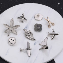 i-Remiel Maple Leaf Smiling Face Aircraft Brooch 2018 Men's Suit Lapel Pins Brooches Butterfly Jewelry Shirt Collar Accessories(China)