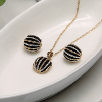 Gold Plated Necklace And Earring Jewellery Sets Ladies Indian Jewelry Fashion Black Enamel Jewelry Sets Parure