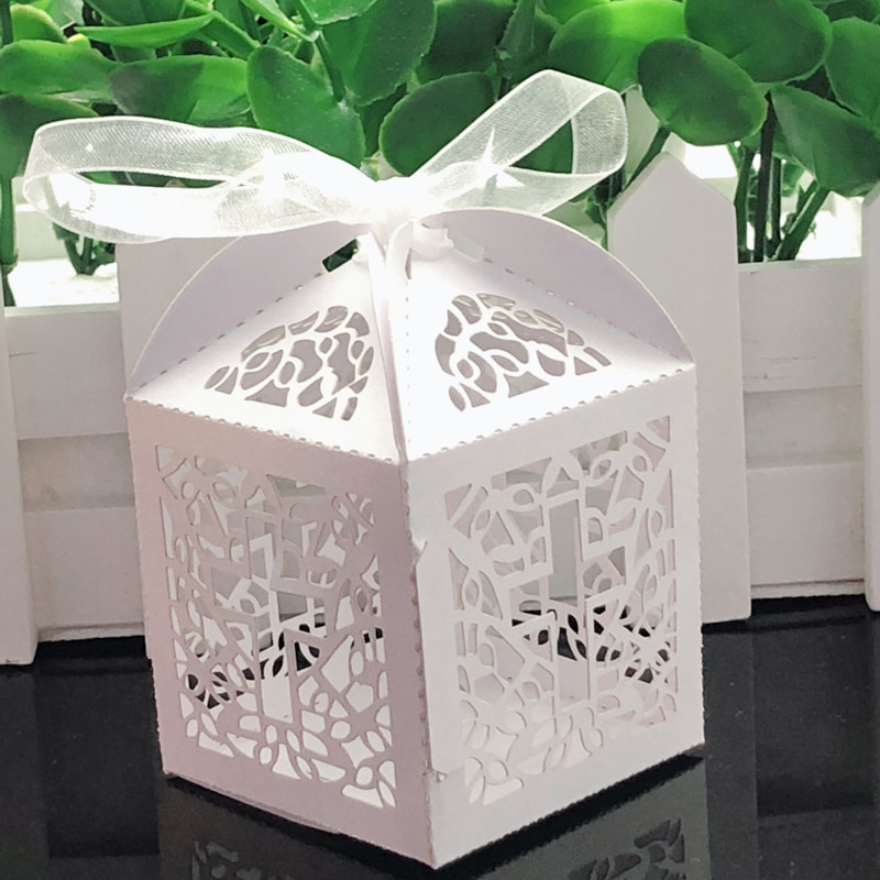 10pcs Cross Laser Cut Gift Candy Boxes Sweets Wedding Party Favor Hollow Carriage Baby Shower Favors With Ribbon Party Supplies