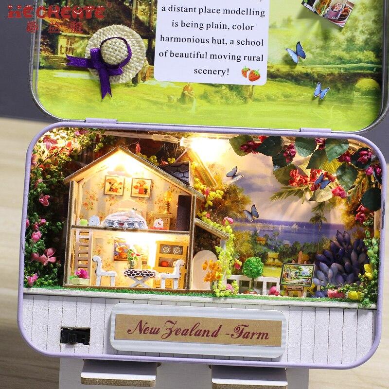 24cb7b70f3346a Diy Doll House Zestaw z Blaszanym Pudełku Teatr Lalek Miniaturowe Drewniane  zabawki dla Dzieci Dom Zabawki Drewniany Dom dla Lalek Dla Dzieci Prezent