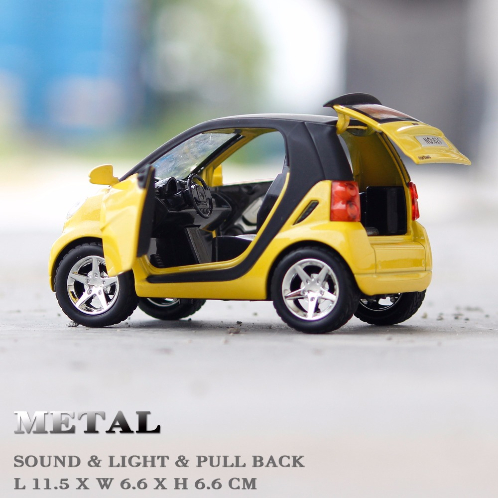 Kids Toys 1/24 Scale Smart Metal Vehicle Sound / Light / Pull back Car Model for Collection