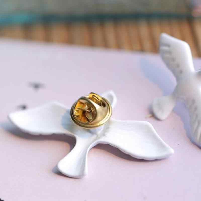 2017 New Hot Retro Mode Sederhana Putih Dove Bros Pin, indah Hewan Kecil Kerah Pin, pria Dan Wanita Perhiasan Grosir