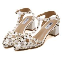Women Sandals 2016 Ladies Summer Slippers Shoes Women Low Heels Sandals Fashion Rivets Shoes