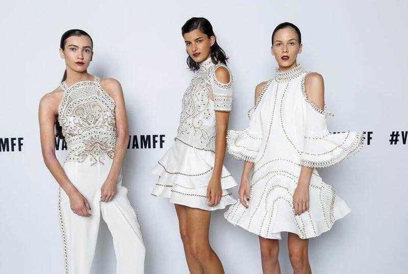 Bola Sexy Al Celebridad Nuevo Blanco Remache Venta Mayor Vestido Con Mujeres Estilo Por Alto Vestidos Cuello Moda Las Fiesta Cuerpo De wzxIRB