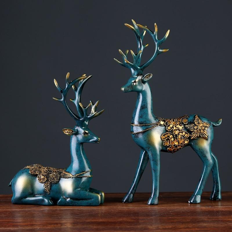 European Vintage Resin Deer Figurines Animal Statues Wedding Gifts Bedroom Office Desk Home Decoration Craft Desktop Ornament