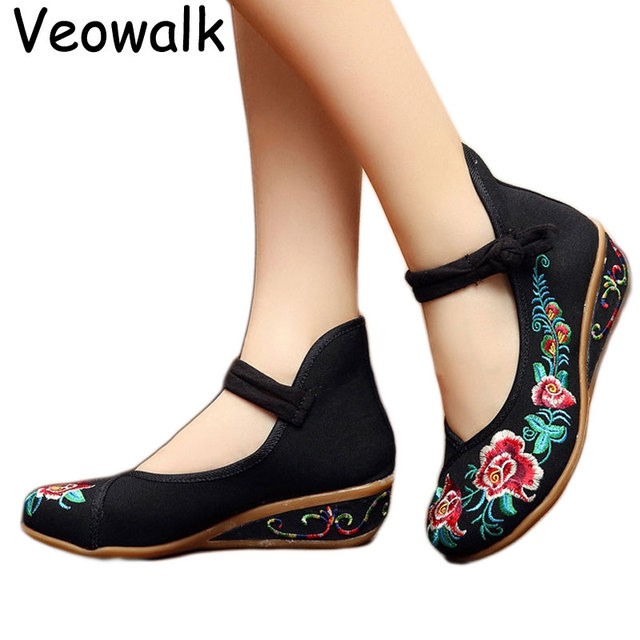 28e44f1e11b Women Chinese Style Casual Old Beijing 5cm Wedges Flower Embroidery  Comfortable Medium Heels Shoes Ladies Retro Pumps Platforms