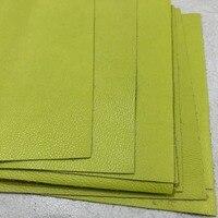 Ткань из натуральной воловьей кожи зеленого цвета