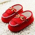 2015 Nueva Baby Girl Boy Zapatos Infantiles Del Niño mocasines de suela suave infantil sapatos chaussures fille scarpe neonata Borlas rojas