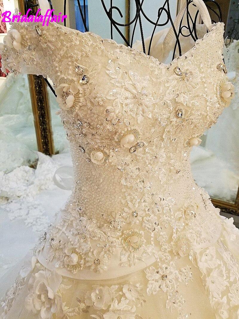 Dentelle de luxe robe de Bal Weding Robe UNE Ligne Encolure Balayage robe élégant Train Robes De Mariée Avec Dentelle Applique Plus taille robe