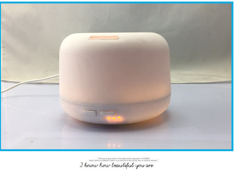 Small ultrasonic humidifier, mini office, aromatherapy machine, home quiet bedroom, fragrant essential oil. hot sale humidifier aromatherapy essential oil 100 240v 100ml water capacity 20 30 square meters ultrasonic 12w 13 13 9 5cm