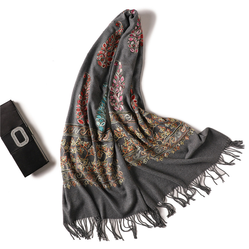 2018 Embroidery women   scarf   high quality thick warm winter   scarves   cashmere shawls and   wraps   ladies pashmina bandana echarpe