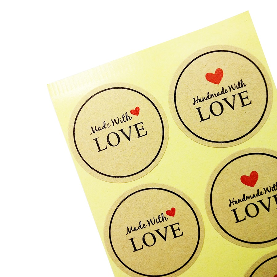 100 Pcs/lot Red Heart Hand Made With Love Scrapbooking Kraft Paper Labels Envelopes Stickers Gift Packaging Seal Seals Sticker