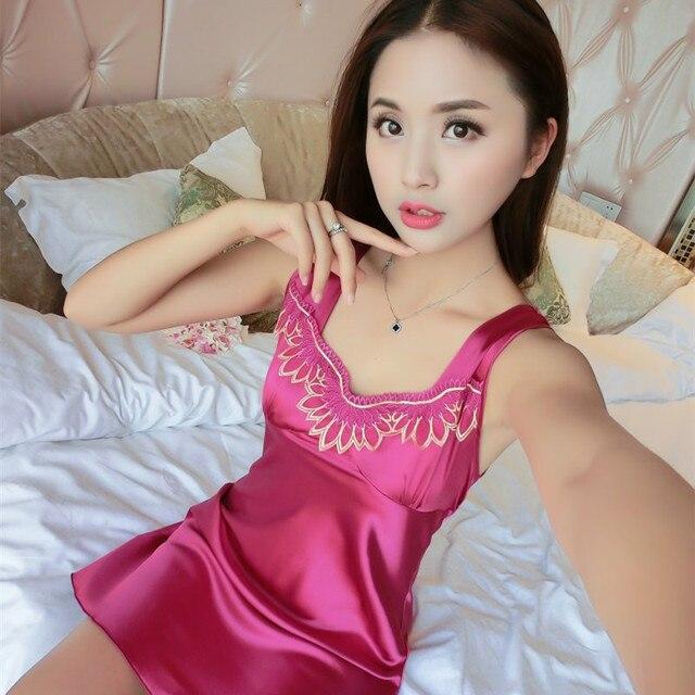 2017 verano nueva seda de Imitación camisón de encaje sexy ropa de Dormir delgada señora encantadora homewear Mujeres V Cuello Camisa de Dormir Albornoz
