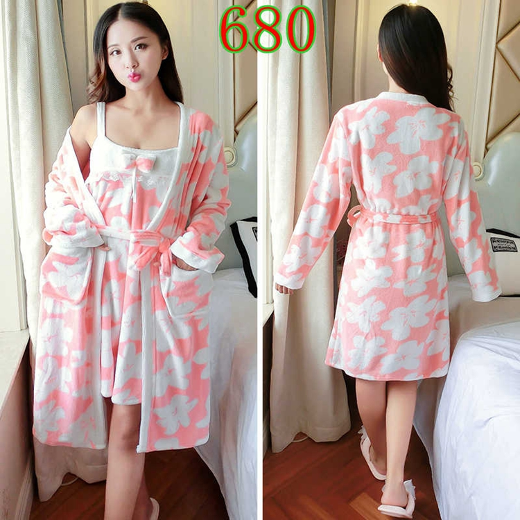 2PCS Sexy Thick Warm Flannel Robes Sets for Women 2018 Winter Coral Velvet Lingerie Night Dress Bathrobe Two Piece Set Nightgown 291