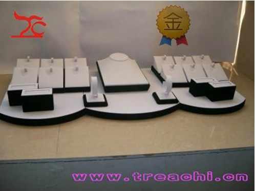 ขายส่งเครื่องประดับไม้จอแสดงผลเคาน์เตอร์ชุดสีขาว PU กำไลข้อมือกำไลข้อมือแหวนผู้ถือขาตั้งสร้อยคอหน้าอก Stand Showcase ชุด