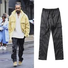 Siyah naylon yapış kargo pantolon erkek kentsel Streetwear Punk Hip Hop SweatPants erkekler askıları düğmeler Velcro kayış kapatma pantolon