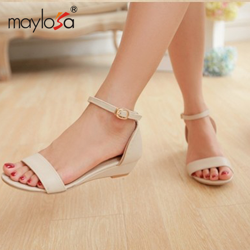f67b620c365 Women new fashion summer Flat heels sandals sweet toe-covering soft buckle  shoes large plus size 40-43 ML6