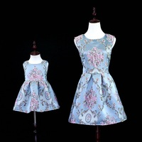 2018 Luxury Brand Mother Daughter Dresses Baby Girls Embroidery Flower Princess Dress Family Matching Outfits Mom Wedding Dress