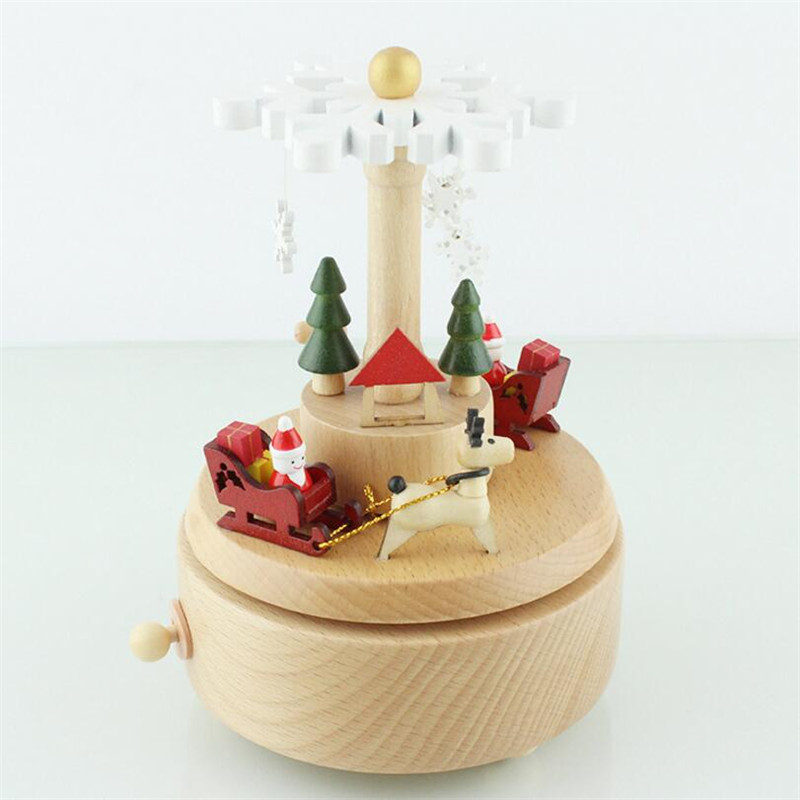 Christmas Cart Music Box Classical Solid Wood Spring Wooden Artware Xmas Tree Music Box Delicate New Year Gift Free Shipping