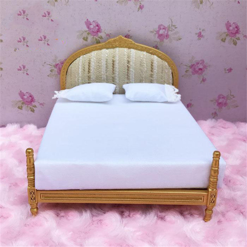 Doub K 1:12 Miniature Furniture toy soft white kawaii simulation <font><b>bed</b></font> Dollhouse bedroom pretend play toys for girls gifts doll image