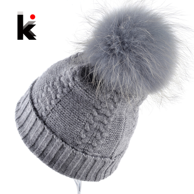 2017 Women's Beanies 100% Raccoon Fur Pompom Ball Winter Beanie Knitted Wool Hat Skullies Cap Ladies Knit Hats For Women Bonnet