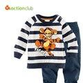 2015 Novas Crianças Pijamas Meninos Outono Ternos Dos Desenhos Animados Dos Desenhos Animados Do Bebê Meninas Listrado Camisola + calças crianças Conjuntos de Roupas Casuais KS406