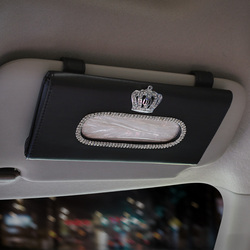 Kryształowy diament korona pudełko na chusteczki do samochodu na osłonę przeciwsłoneczną Auto wiszące papierowe pudełko korona osłona przeciwsłoneczna akcesoria samochodowe