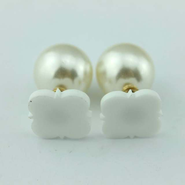 2017 Personalized Acrylic Pearl Double Side Earrings Studs Women New Clover Round Shape Blank Monogram