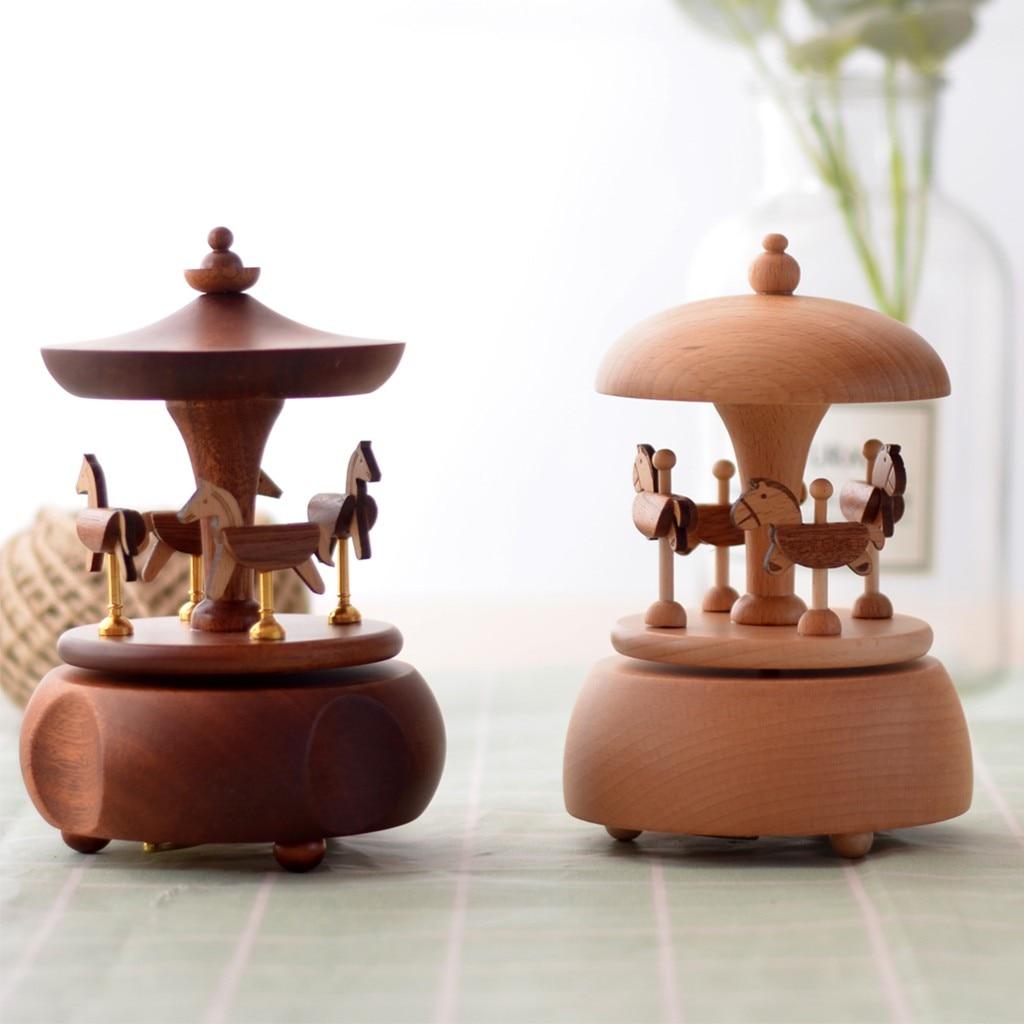 Haute qualité fait à la main manège en bois horloge boîte à musique artisanat décoration cadeau accessoires de décoration de la maison a712