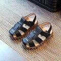 Nuevos Muchachos de la muchacha de Cuero Suave Sandalias de Los Bebés 2017 Del Verano Zapatos de Suela Suave Cuero Genuino de LA PU de Playa Sandalias de Los Niños