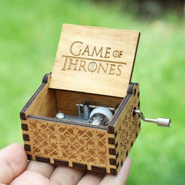 Caja de música de 20 tipos tallado antiguo mano de madera con manivela Davy Jones TEMA DE La Guerra de Las Galaxias caja de música regalo de cumpleaños