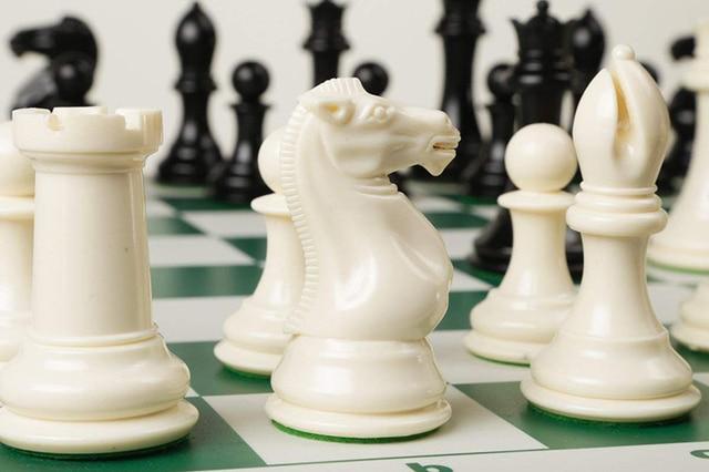 Jeu d'échecs avec plateau vinyle pliable 5
