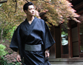 2016 de invierno en venta hombres mujeres albornoz de lujo para hombre caliente seda larga de franela albornoces kimono albornoz masculina amantes de la noche vestidor