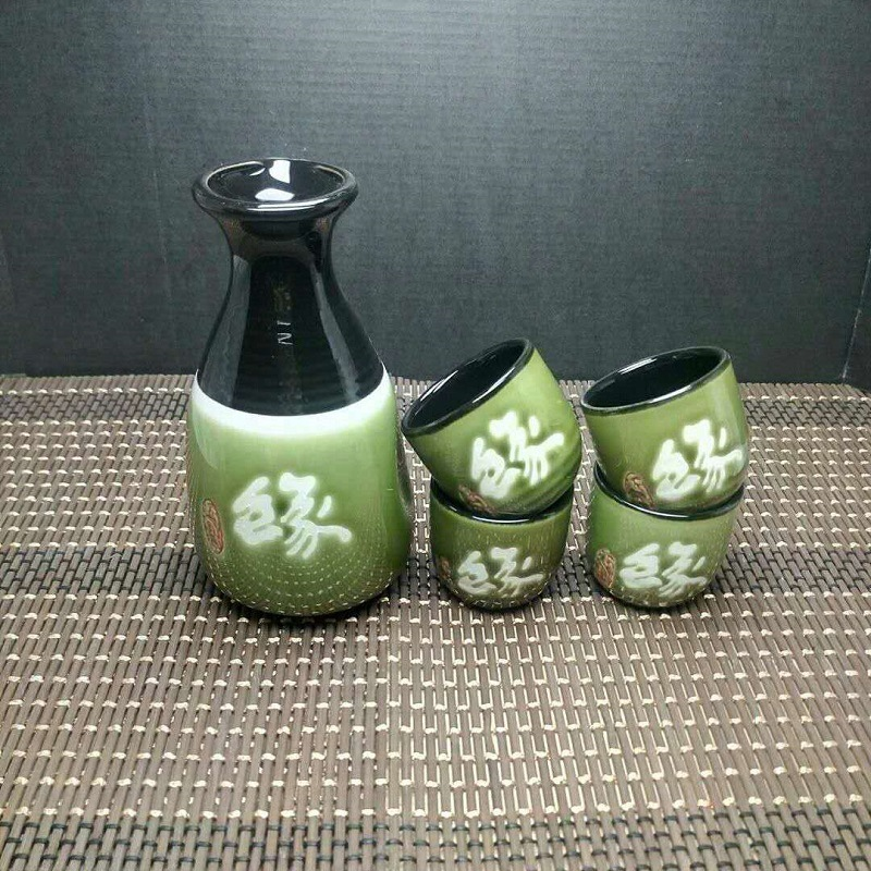 Japanese Style Ceramics Sake Red Wine Glass Hand Painted Underglaze Color One Pot of Four Cups Bar Accessories Home Bars