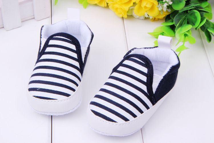 2017Nyste 1 Pair Kids Baby Soft Bottom Walking Sko Boy Girl Striped Anti-Slip Sneakers 3 Farver 3-12 Month