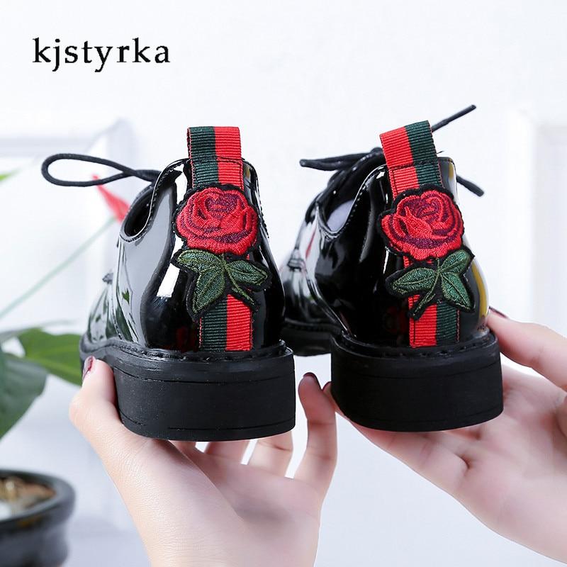 купить Kjstyrka 2018 Fashion British Bullock Style Women Ankle Boots embroidered Patent Boots Oxford Shoes botas femininas de inverno по цене 1270.87 рублей