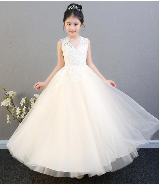 Elegant Champagne Tulle Flower Girl Dress For Weddings Lace Party Pageant  Princess Gown Long Style Kids First Communion Dresses 4fca57f379d1