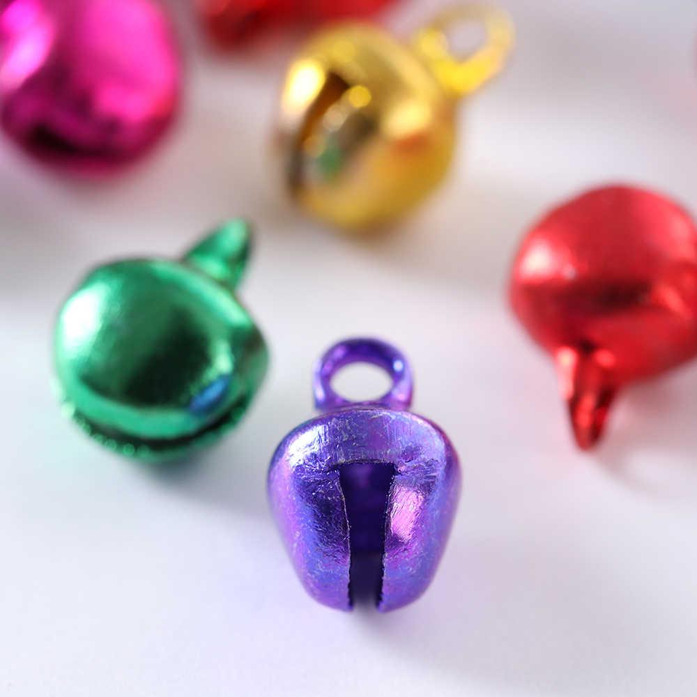 100 Cái/gói Thời Trang 6*8 Mm Sắt Giáng Sinh Jingle Bells Mặt Dây Chuyền Hạt Tĩnh Lạc Sắt Nhiều Màu Sắc Rời Hạt Xmas DIY bộ Trang Sức Đồ Thủ Công