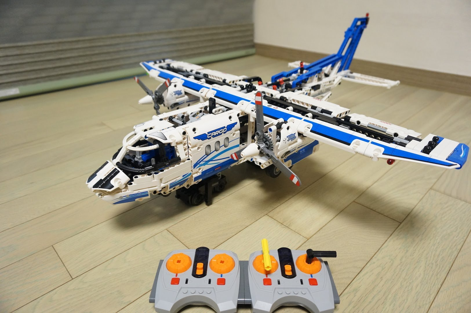 Brand New Lego technique cargo planes 42025 Best Deal From Japan!!