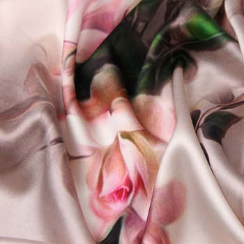 2d82c1a7c8572 118CM Wide 19MM 93% Silk & 7% Spandex Pink Floral Print Stretch