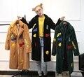 Корейский дамы пальто зимы женщин длинный мех куртка turn down воротник симпатичные письмо печатные коричневый черный гери пальто негабаритных
