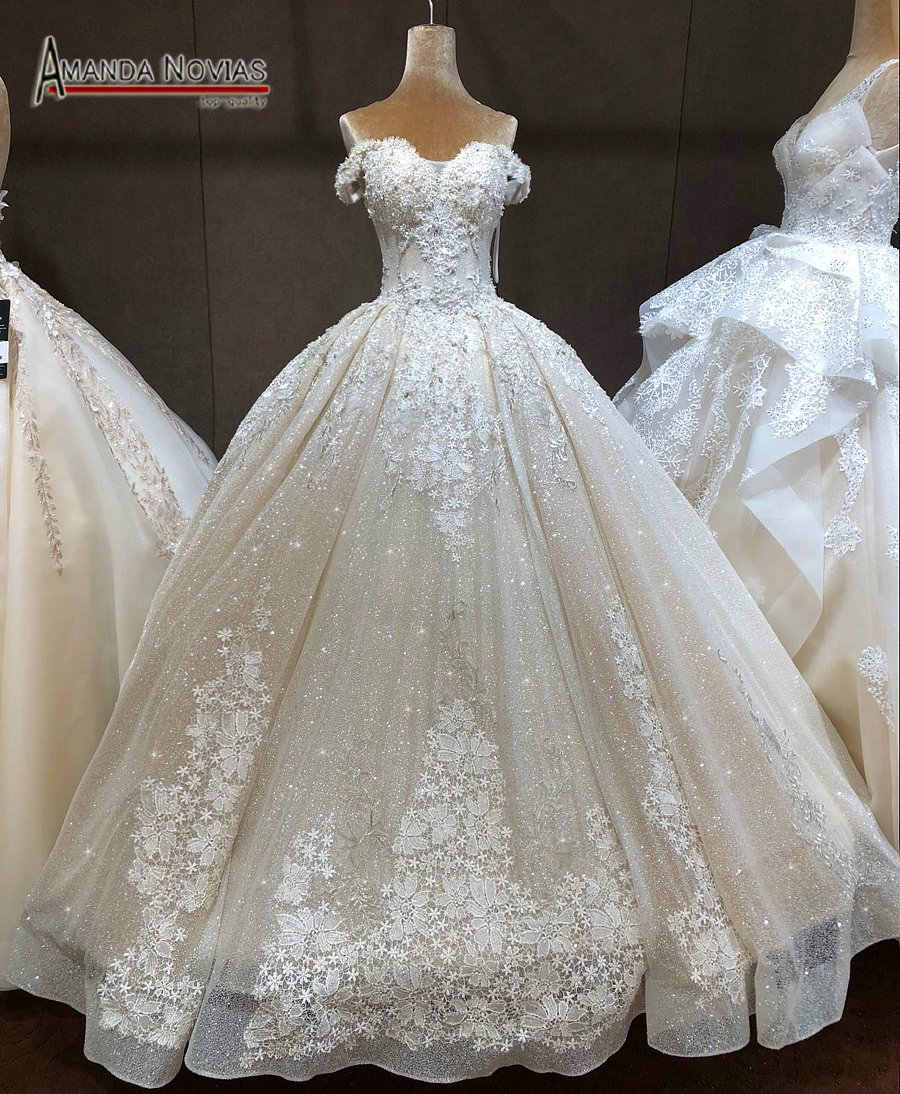 2019 New Collection Bridal Dress Shinny Long Train Luxury Weddings