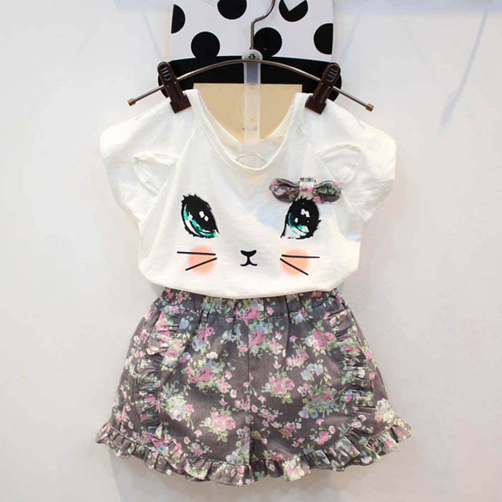 2017 Girls Cute Cat Short Sleeve T-shirt + Floral Shorts Set Clothes Suit Summer New Style Hot Sale
