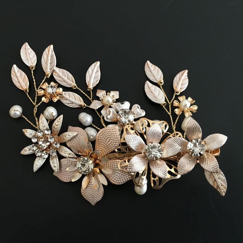 Gorgeous Golden Wired Crystal Rhinestone Freshwater Pearls Flower Wedding Hair Clip Barrettes Bridal Headpieces Hair Accessories все цены