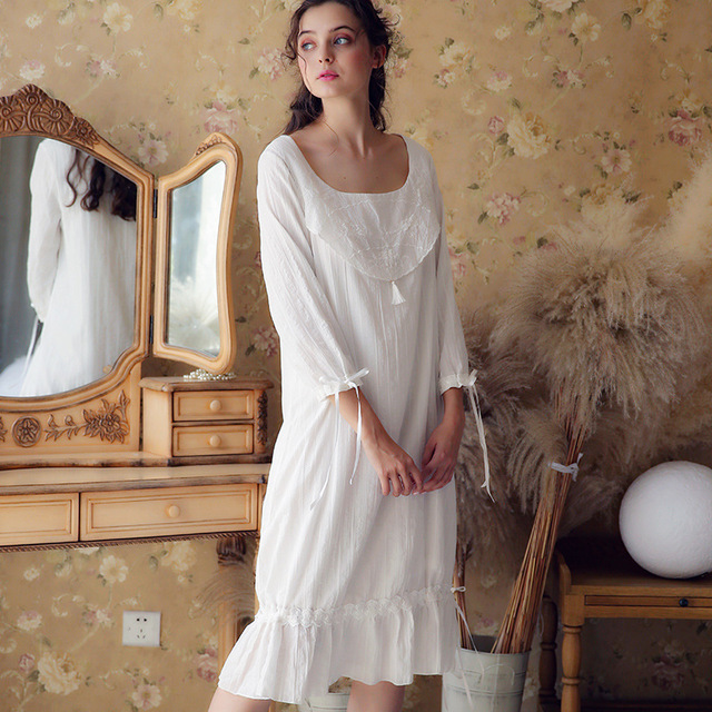 62ee822f1301 White Cotton Lace Ruffled Sleep Wear Night Shirt Home Dress Princess Nightgown  Women Autumn Sleepwear Plus Size Nightdress