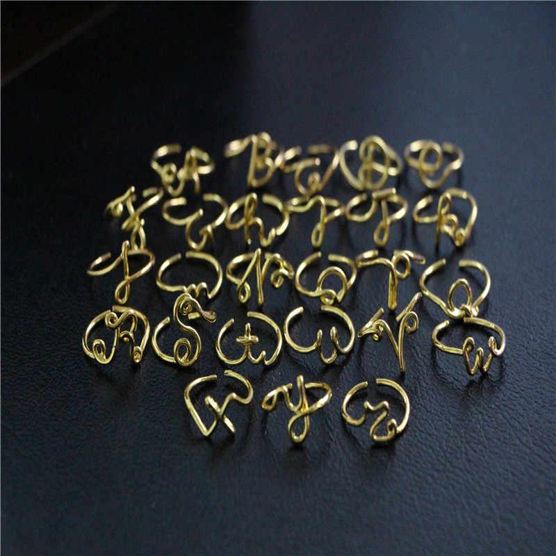 Unisex ทองเงินสี A-Z 26 ตัวอักษรเริ่มต้นชื่อแหวนผู้หญิงผู้ชายโลหะผสมเรขาคณิตสร้างสรรค์แหวนนิ้วมือเครื่องประดับ KCR246